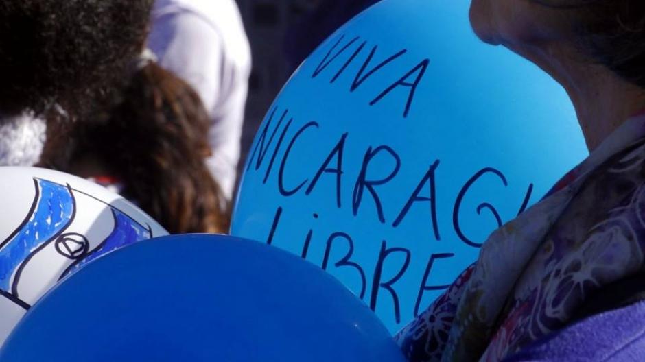 Vredespaleis - demonstratie Nicaragua - foto Dik Bol